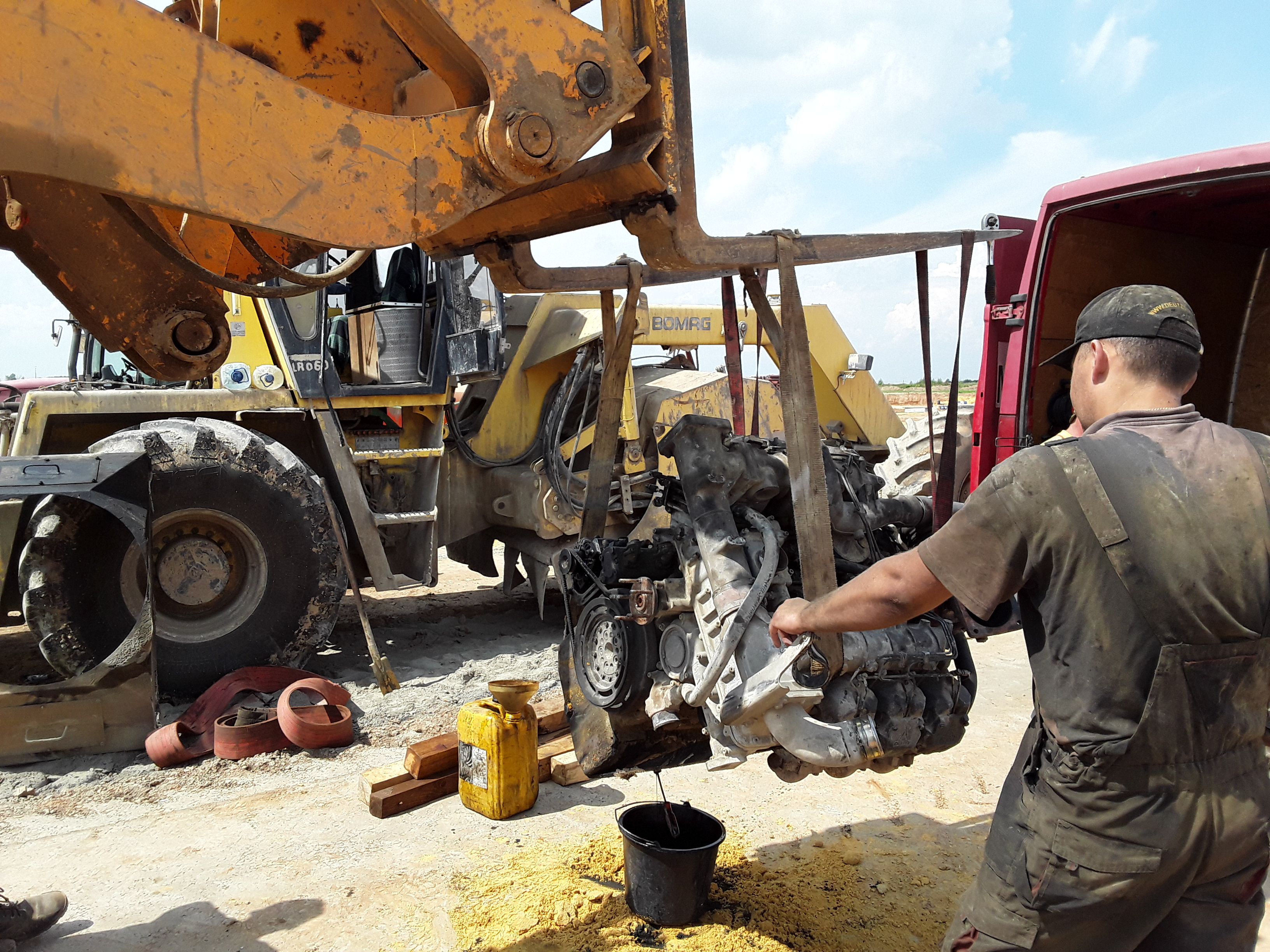 ремонт  экскаватора BOMAG