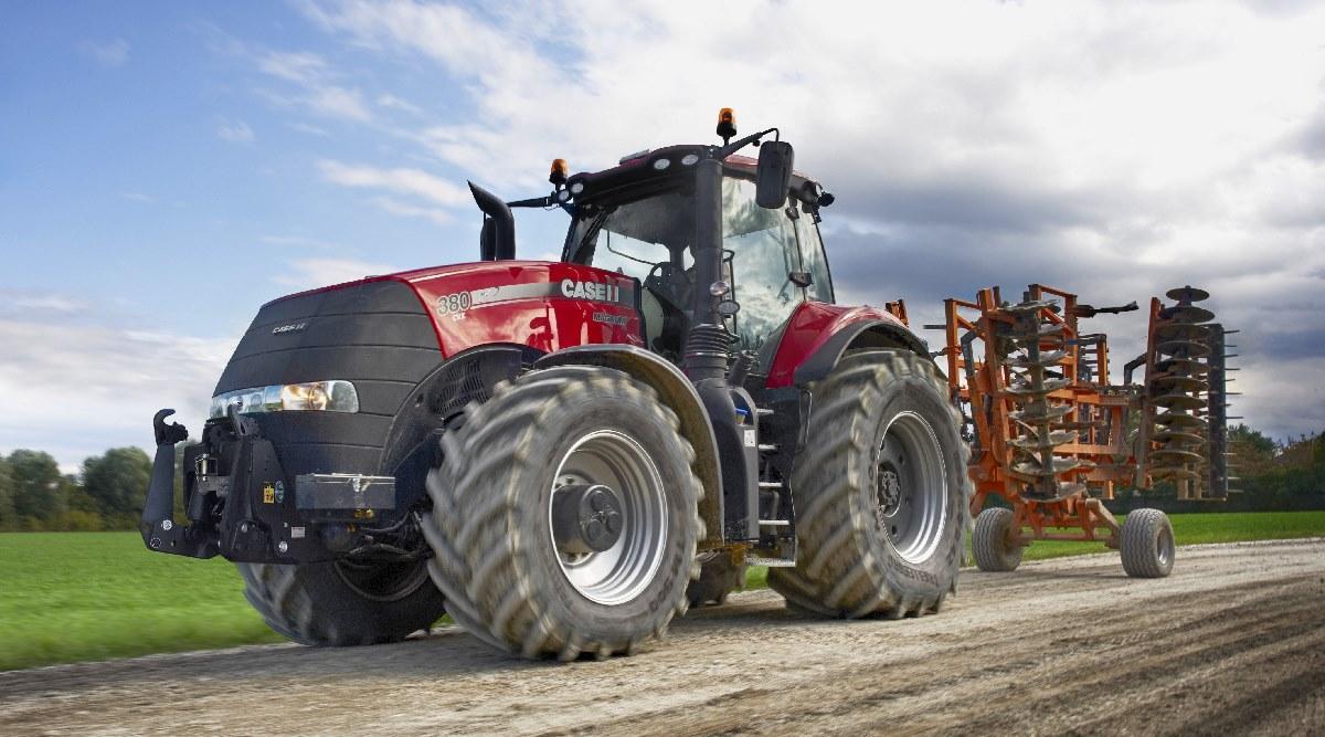 трактор CASE